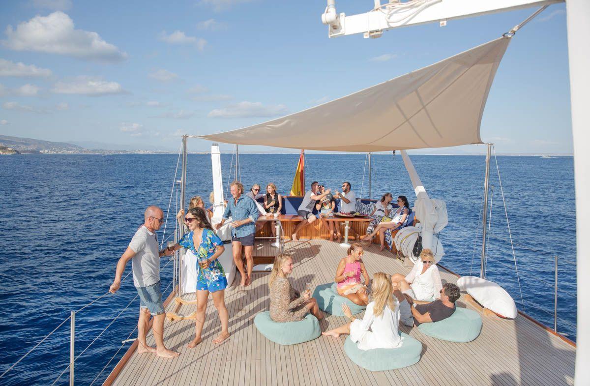 luxury-classic-yacht-Mallorca-5